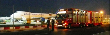 truck_and_plane_transport2